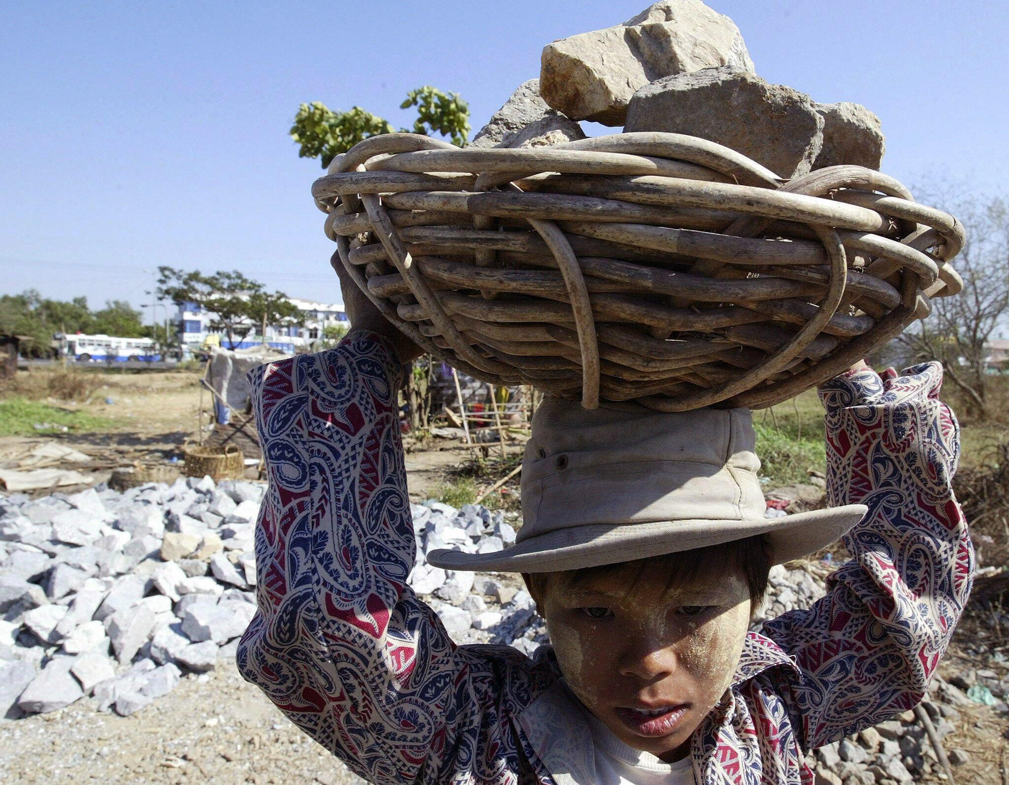 Bild zu Myanmar will Kinderarbeit bekämpfen