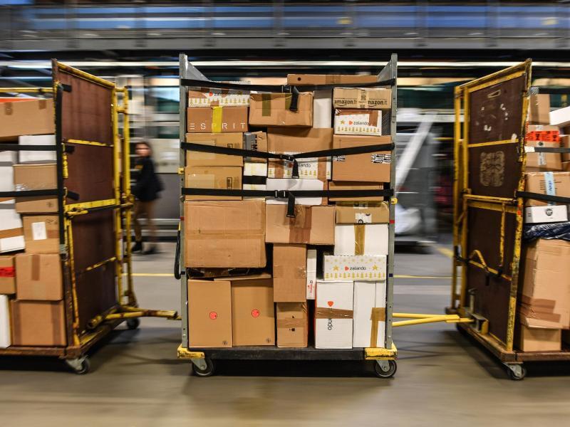 Bild zu Pakete und Päckchen