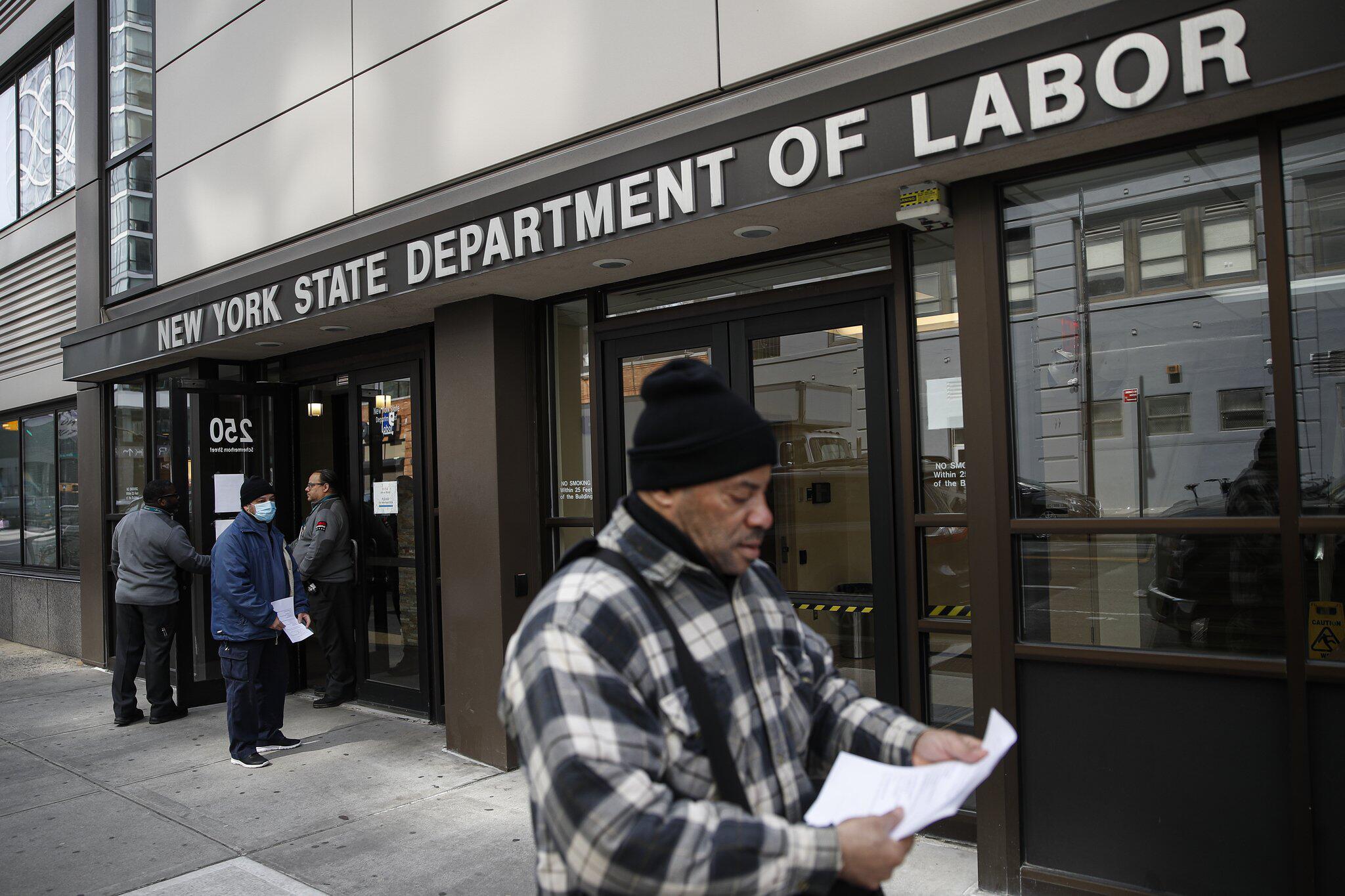 Bild zu Lage am US-Arbeitsmarkt verschlechtert sich dramatisch