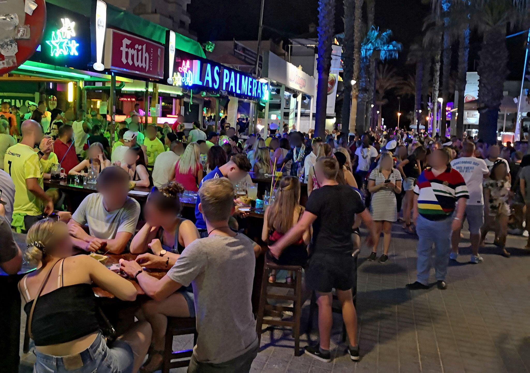 """Bild zu Party an der """"Bierstraße"""" auf Mallorca"""