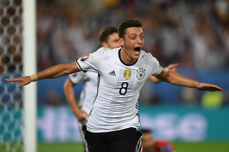Bild zu Özils Treffer in der 3-D-Analyse sowie alle weiteren wichtigen Szenen.