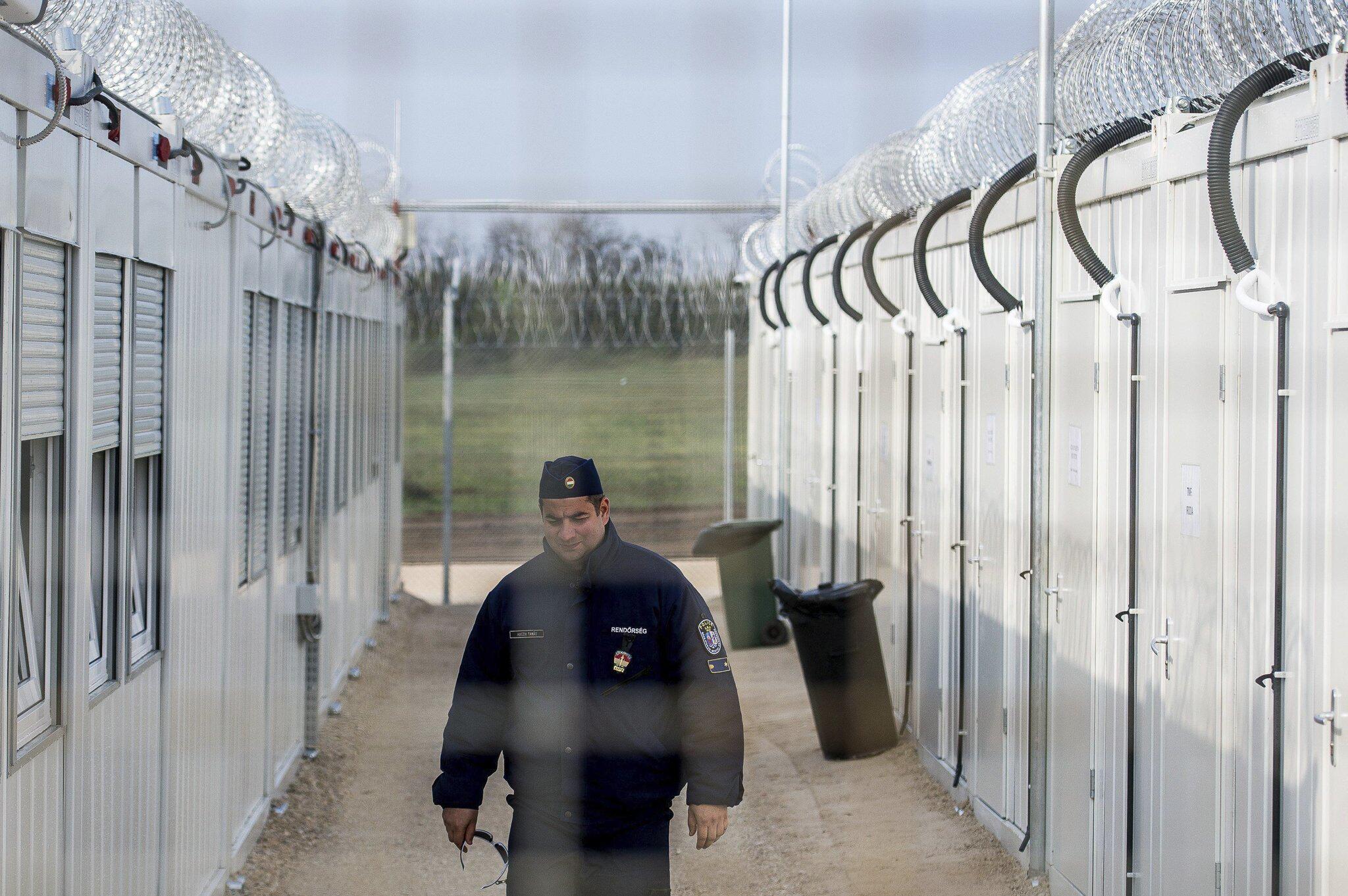 Bild zu Internierungslager für Asylsuchende in Ungarn