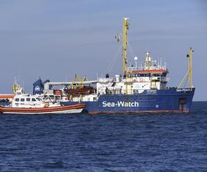 """Flüchtlingsschiff """"Sea-Watch"""" vor Küste von Sizilien"""