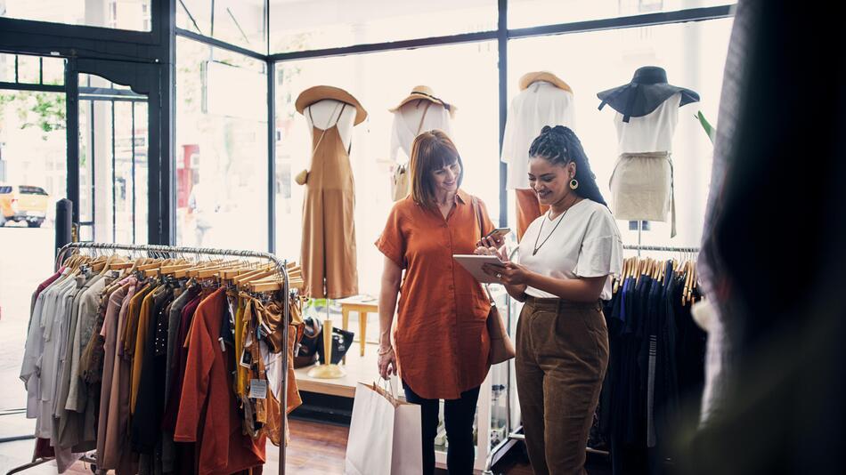 Kleidung, Shapewear, kaschieren, Mode, Bauch, Styling, Tricks, schlank
