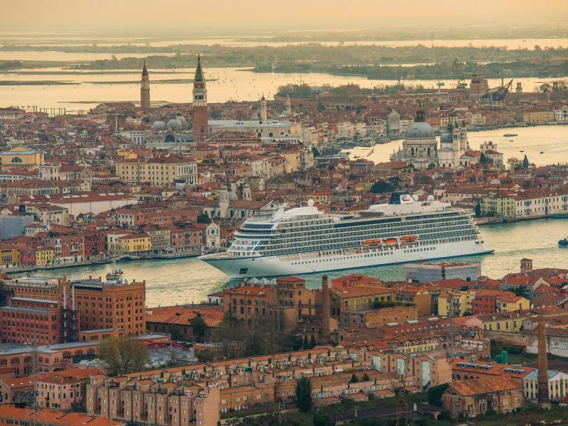 Bild zu «Viking Sea» in Venedig