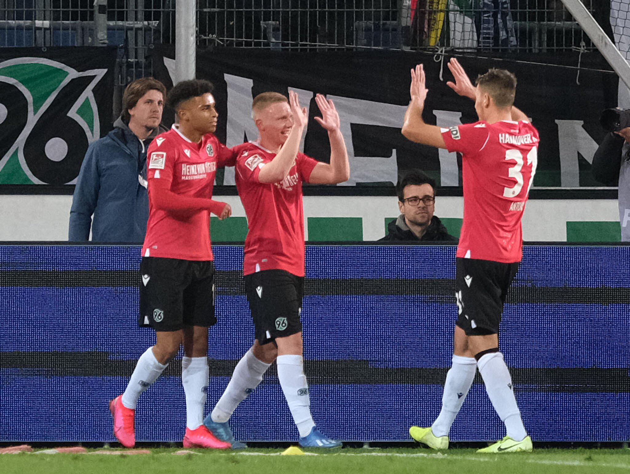 Bild zu Hannover 96 - Holstein Kiel