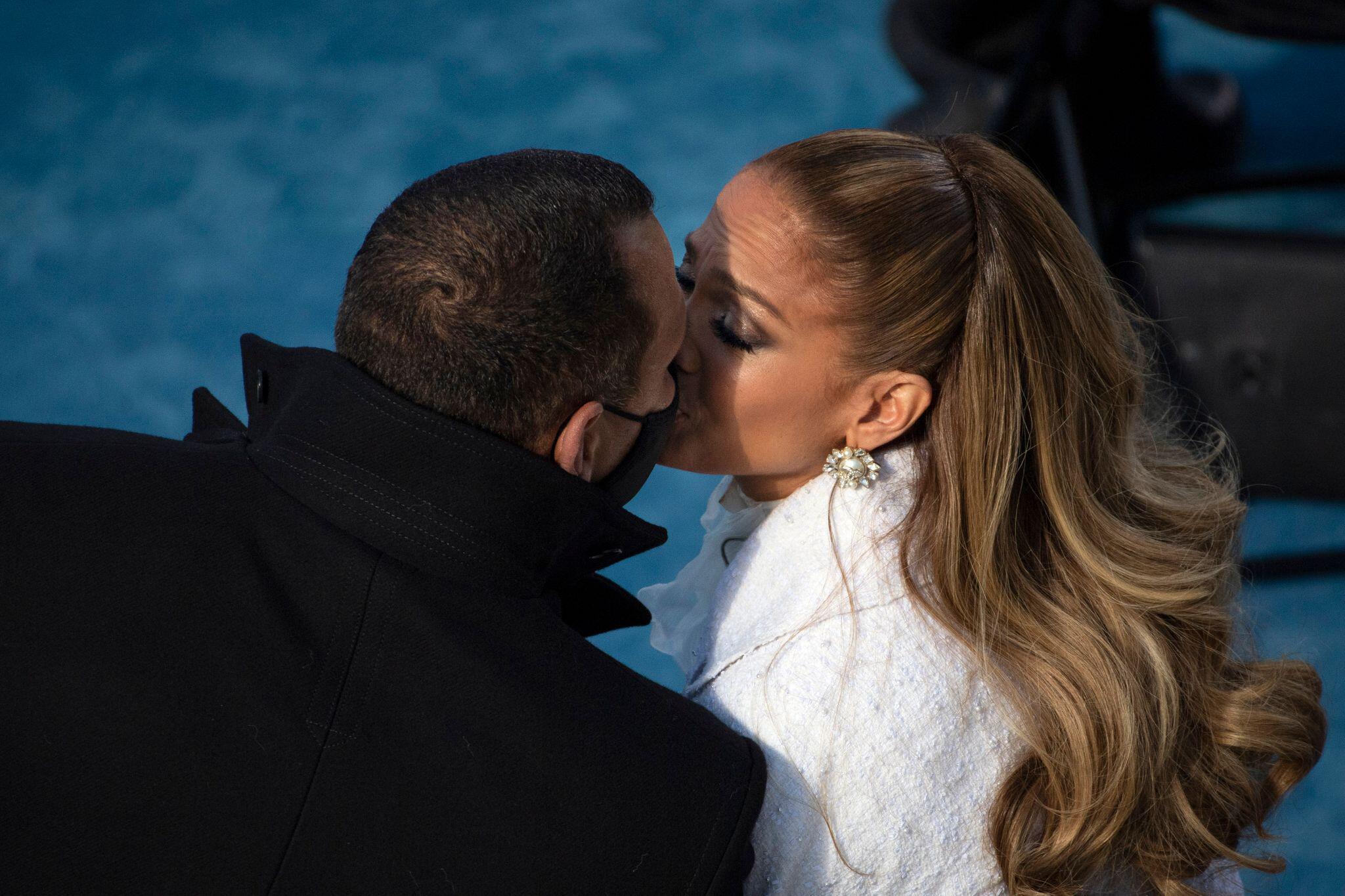 Bild zu Jennifer Lopez und Alex Rodriguez