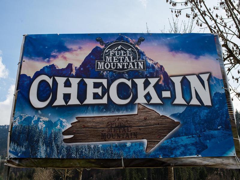 Bild zu Full Metal Mountain