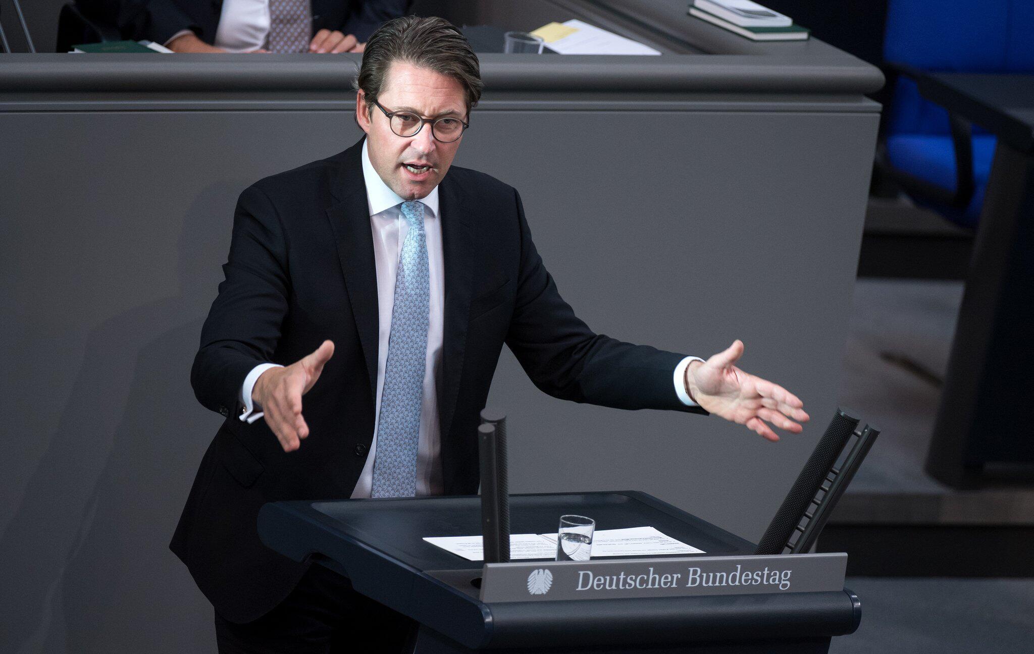Bild zu Plenary session at the German Bundestag in Berlin