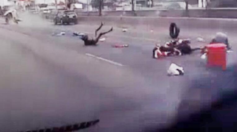 Bild zu Pickup, Thailand, Unfall