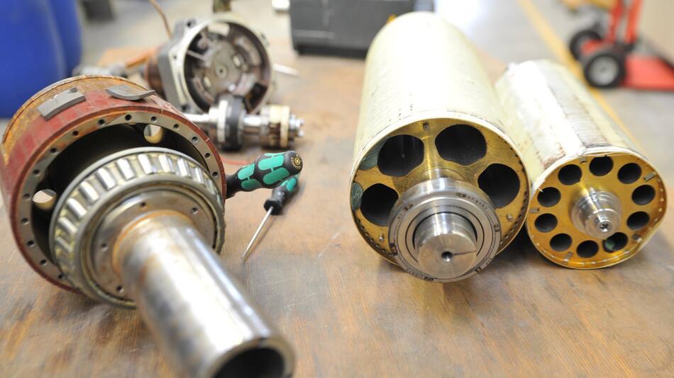 Herausbauen von Neodym-Eisen-Bor-Magneten aus Synchronmotoren