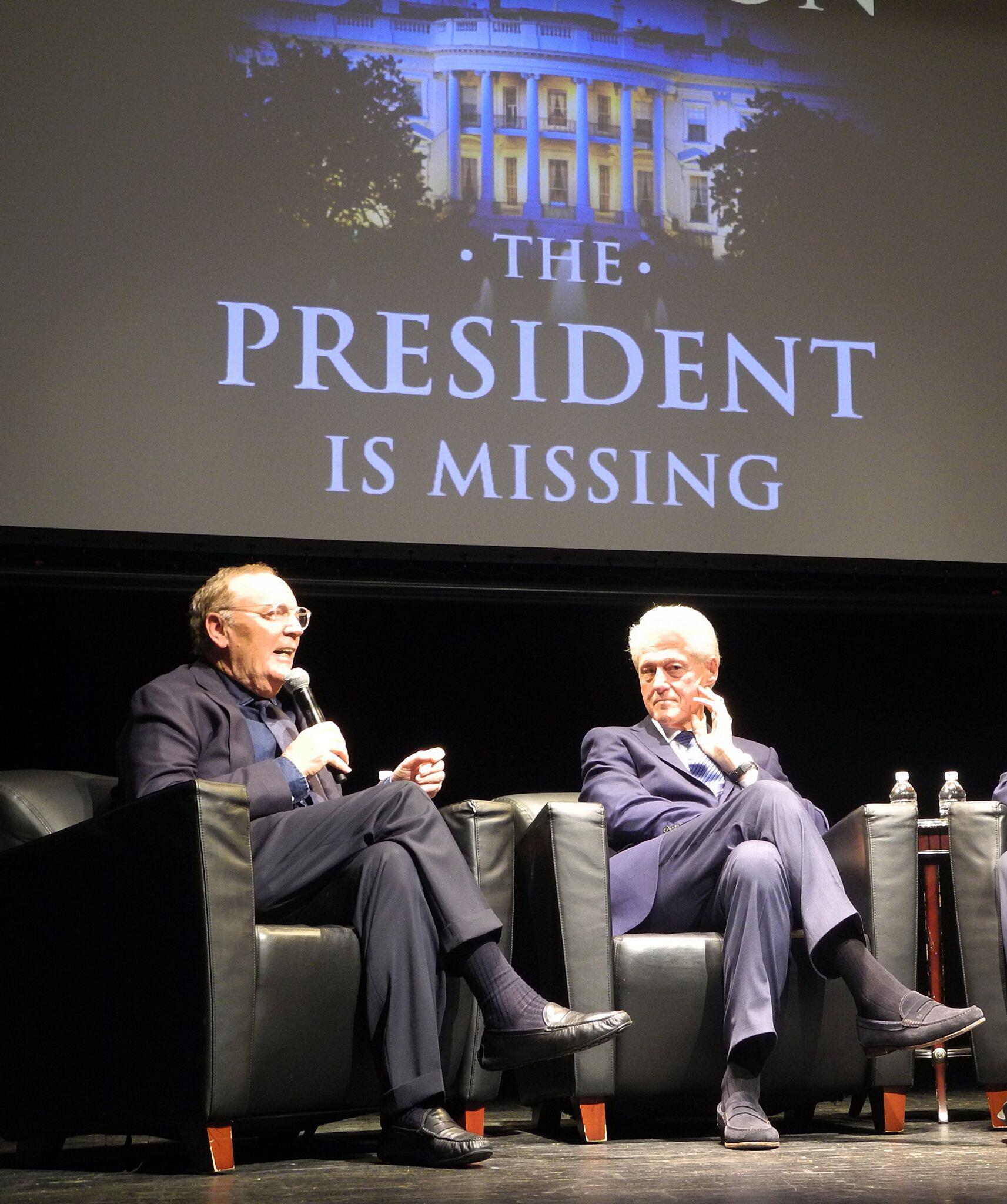 Bild zu Bill Clinton und James Patterson