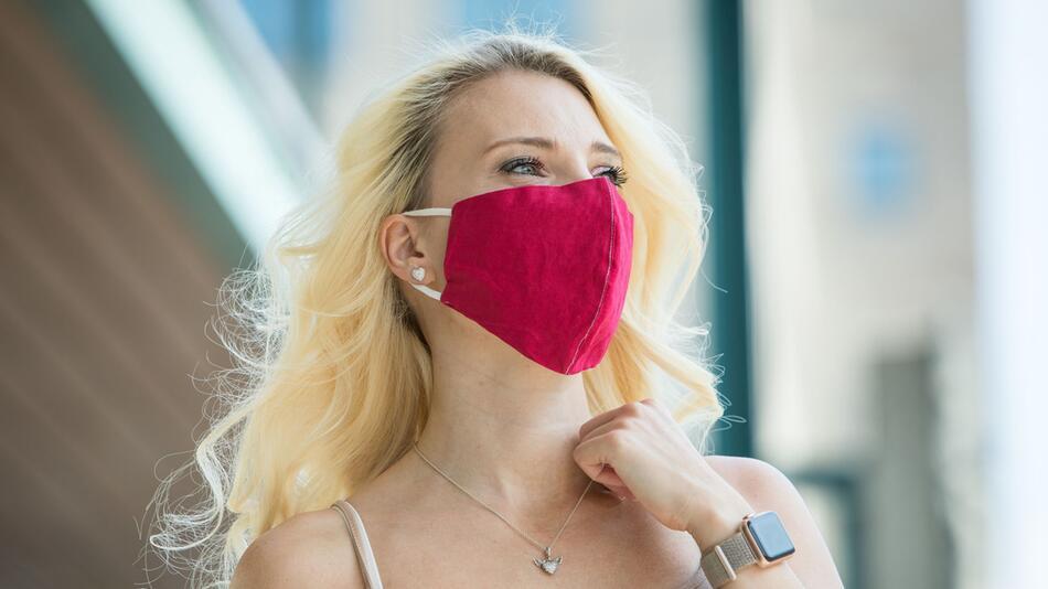 Corona: So hält Lippenstift und Make-up unter der Maske