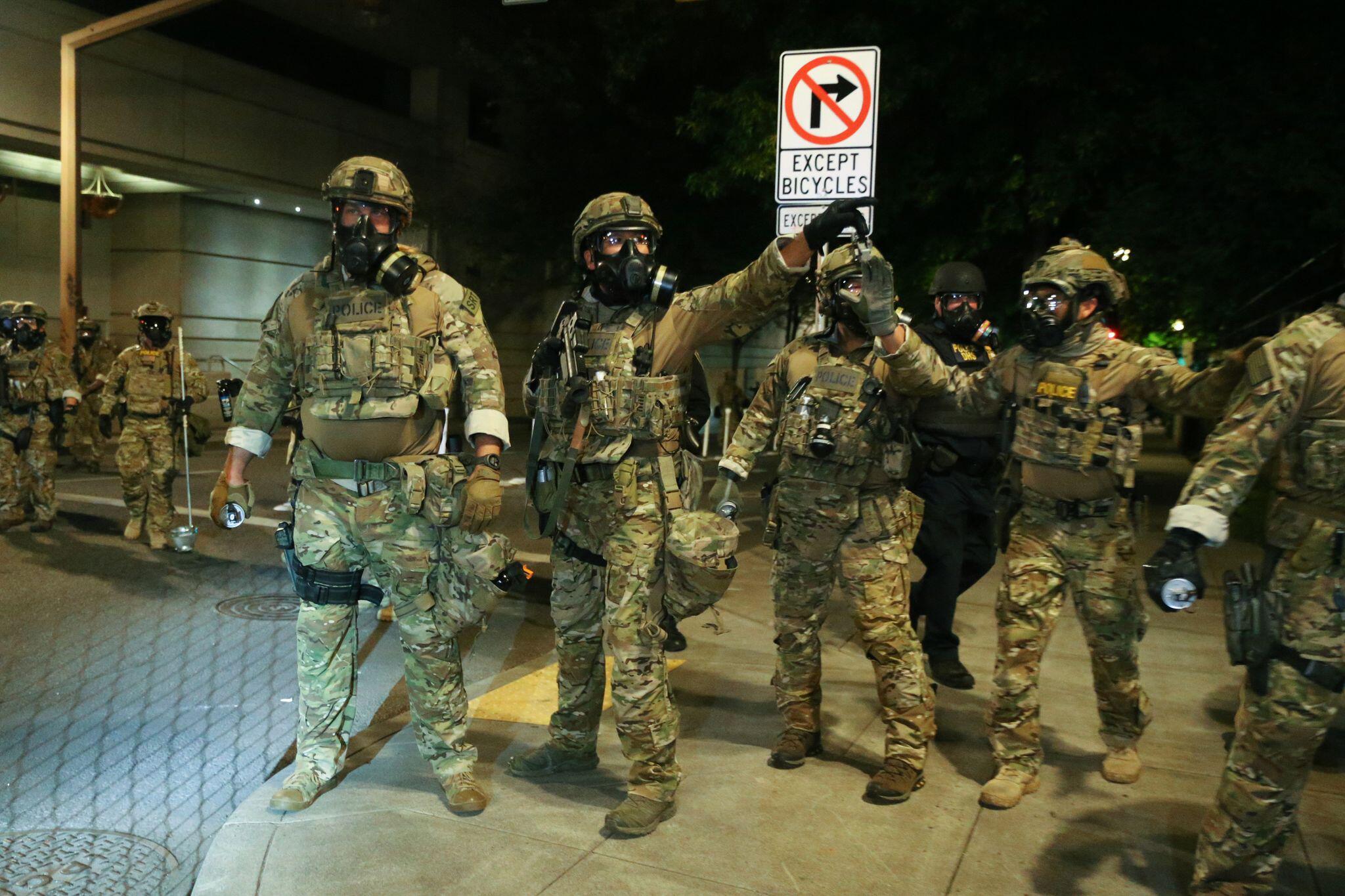 Bild zu US-Bürgermeister wehren sich gegen Einsatz von Bundespolizisten