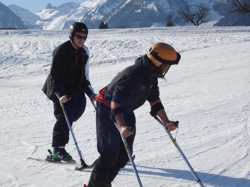 Bild zu Einsatz von Skikrücken