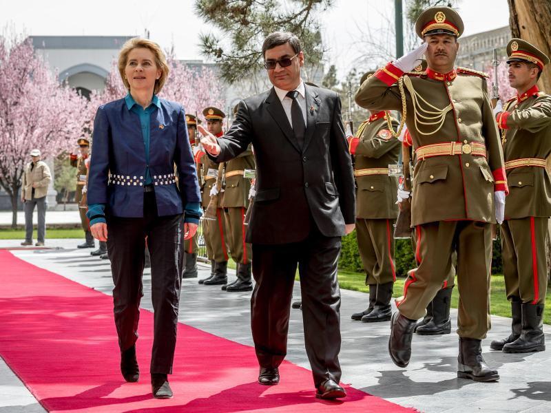 Bild zu Von der Leyen in Kabul
