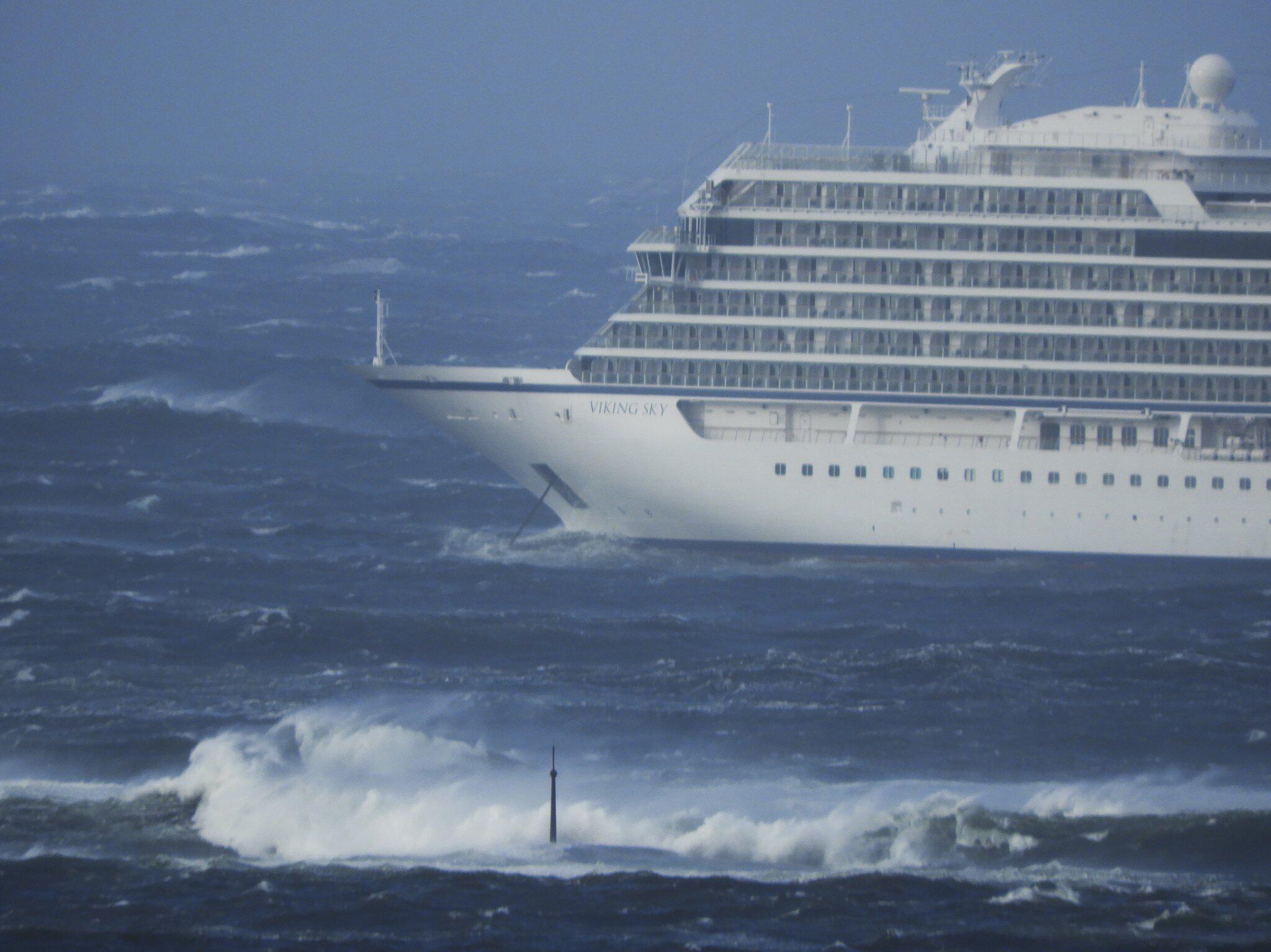 Bild zu Kreuzfahrtschiff in Seenot vor Norwegen