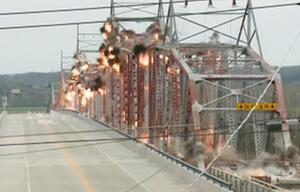 USA, Brücke, Brücken-Sprengung
