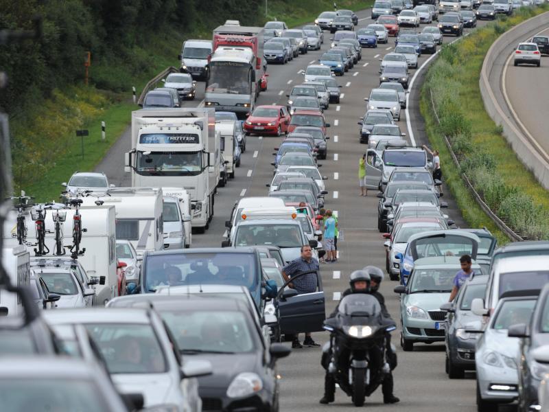 Bild zu Autobahn-Stau