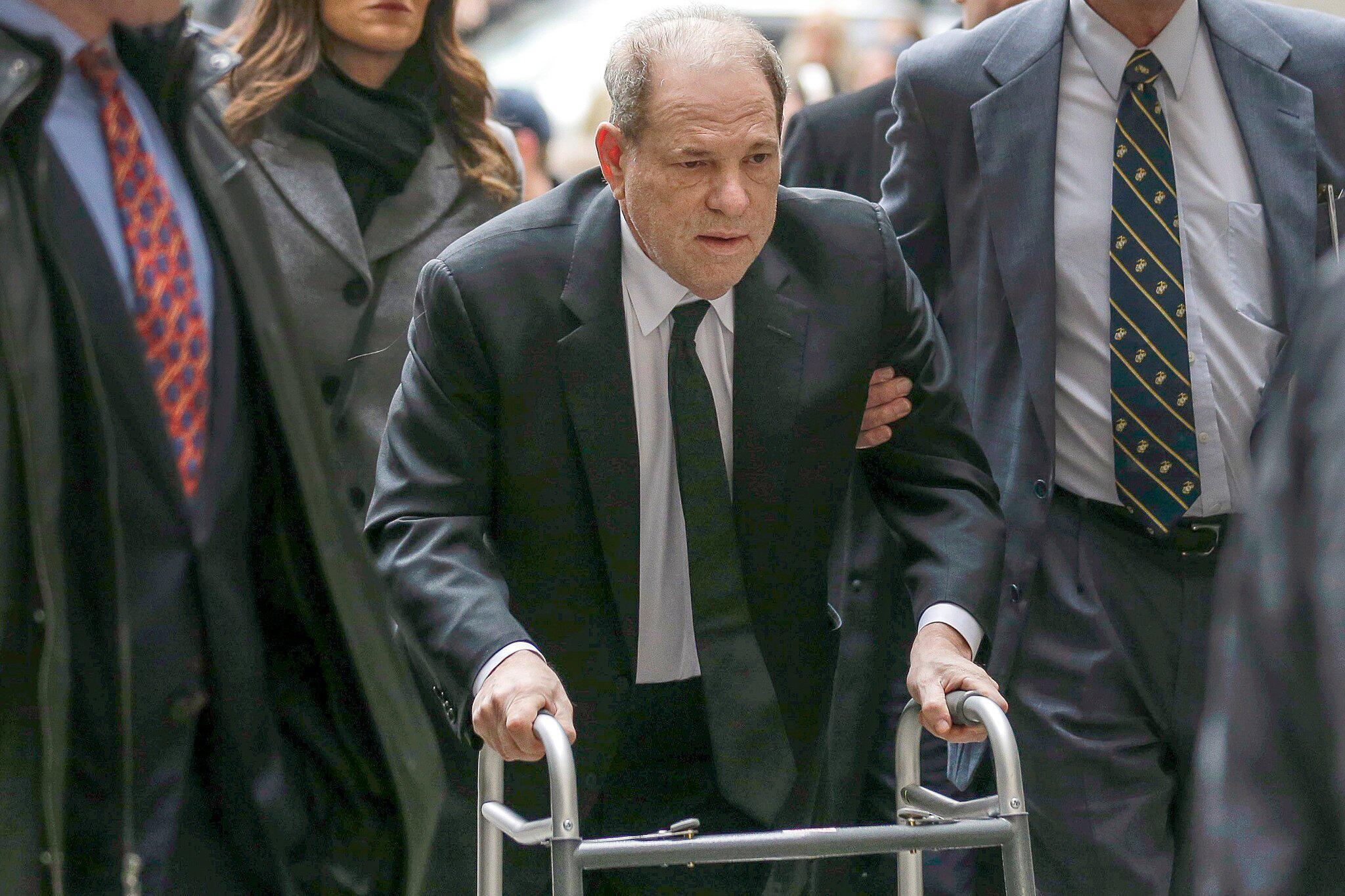 Bild zu Prozess gegen Ex-Filmmogul Weinstein startet