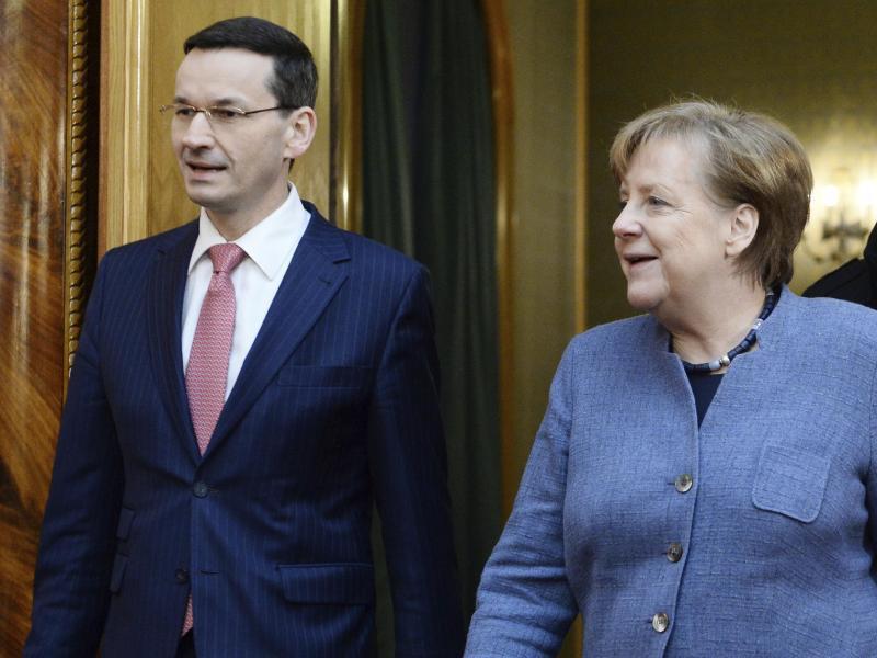 Bild zu Merkel in Warschau