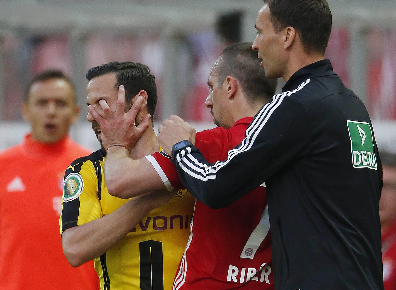 Bild zu Franck Ribery vs. Gonzalo Castro