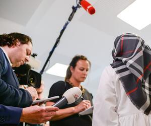 Klage zum Tragen eines Kopftuches im Unterricht