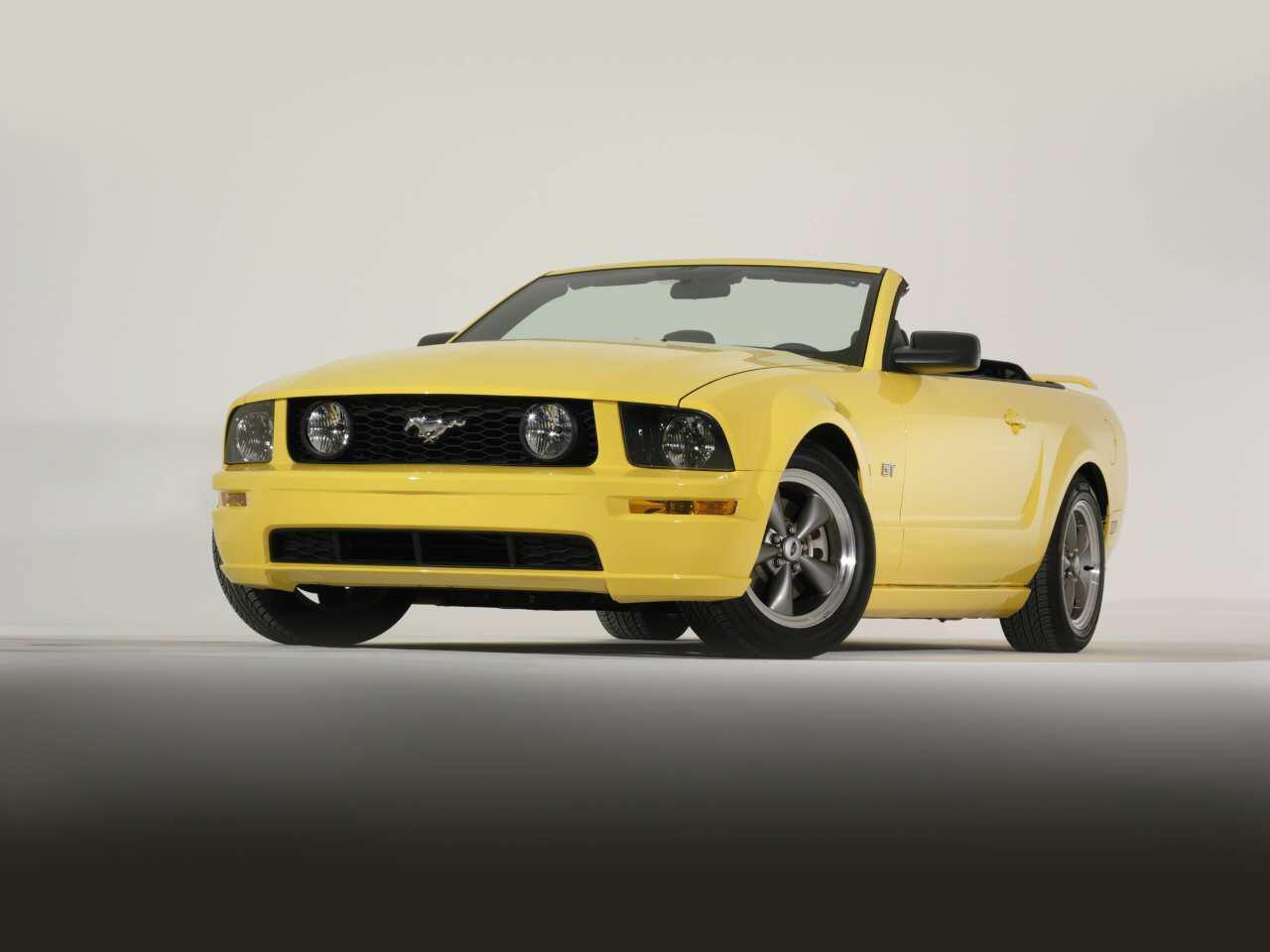 Bild zu Ford Mustang GT Cabrio (2005)