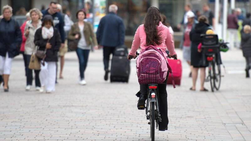 Radfahrer in der Fußgängerzone