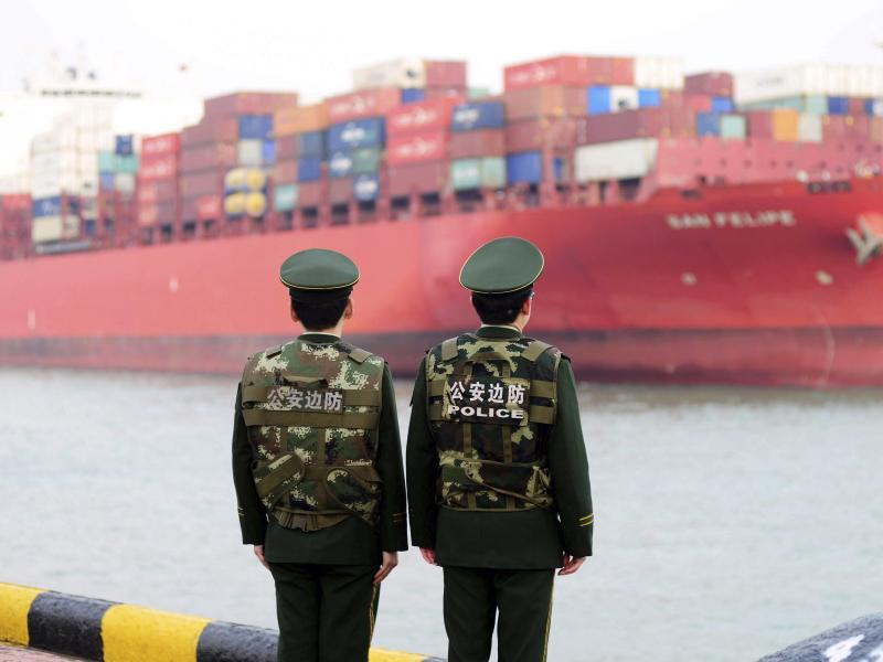 Bild zu Containerschiff in Qingdao