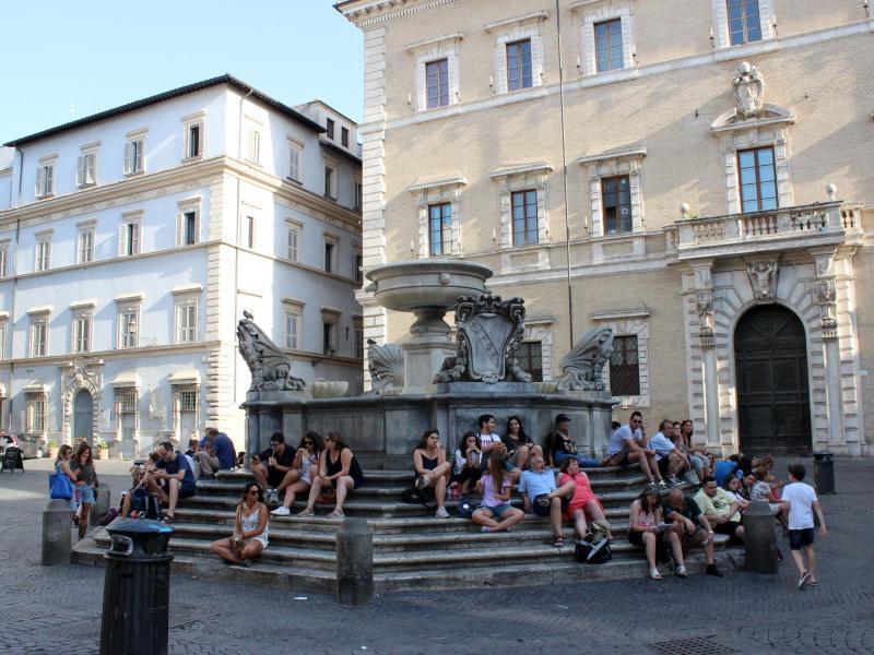 Bild zu Brunnen auf der Piazza Santa Maria