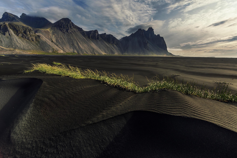 Bild zu schwarzer Sand
