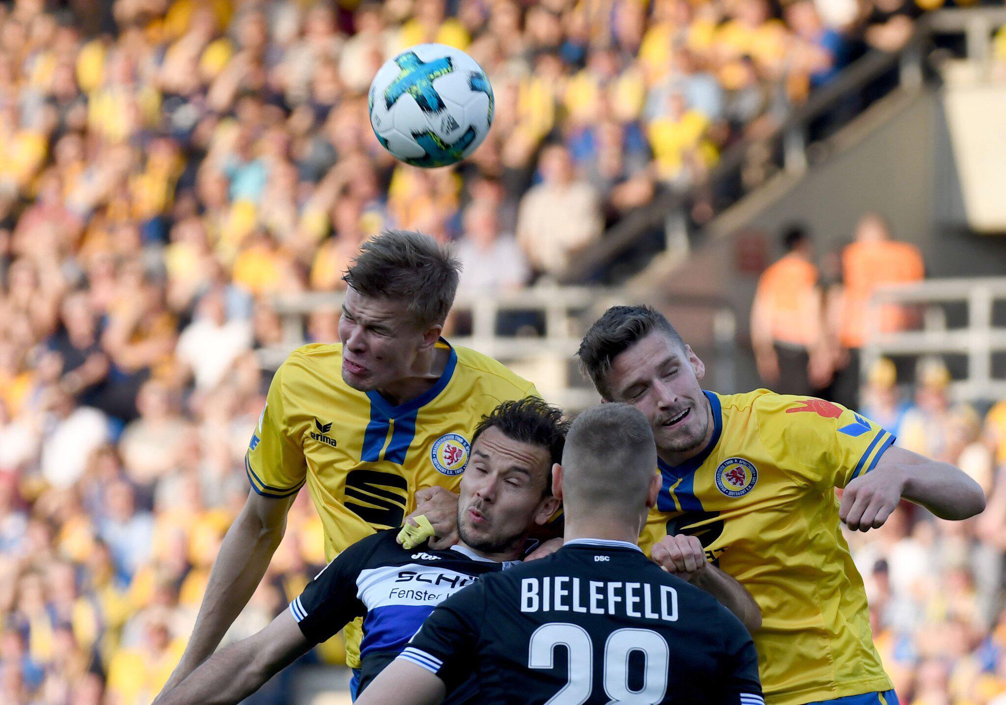 Bild zu Eintracht Braunschweig vs Arminia Bielefeld