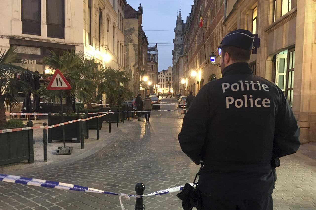 Bild zu Messerattacke auf Polizist in Brüssel