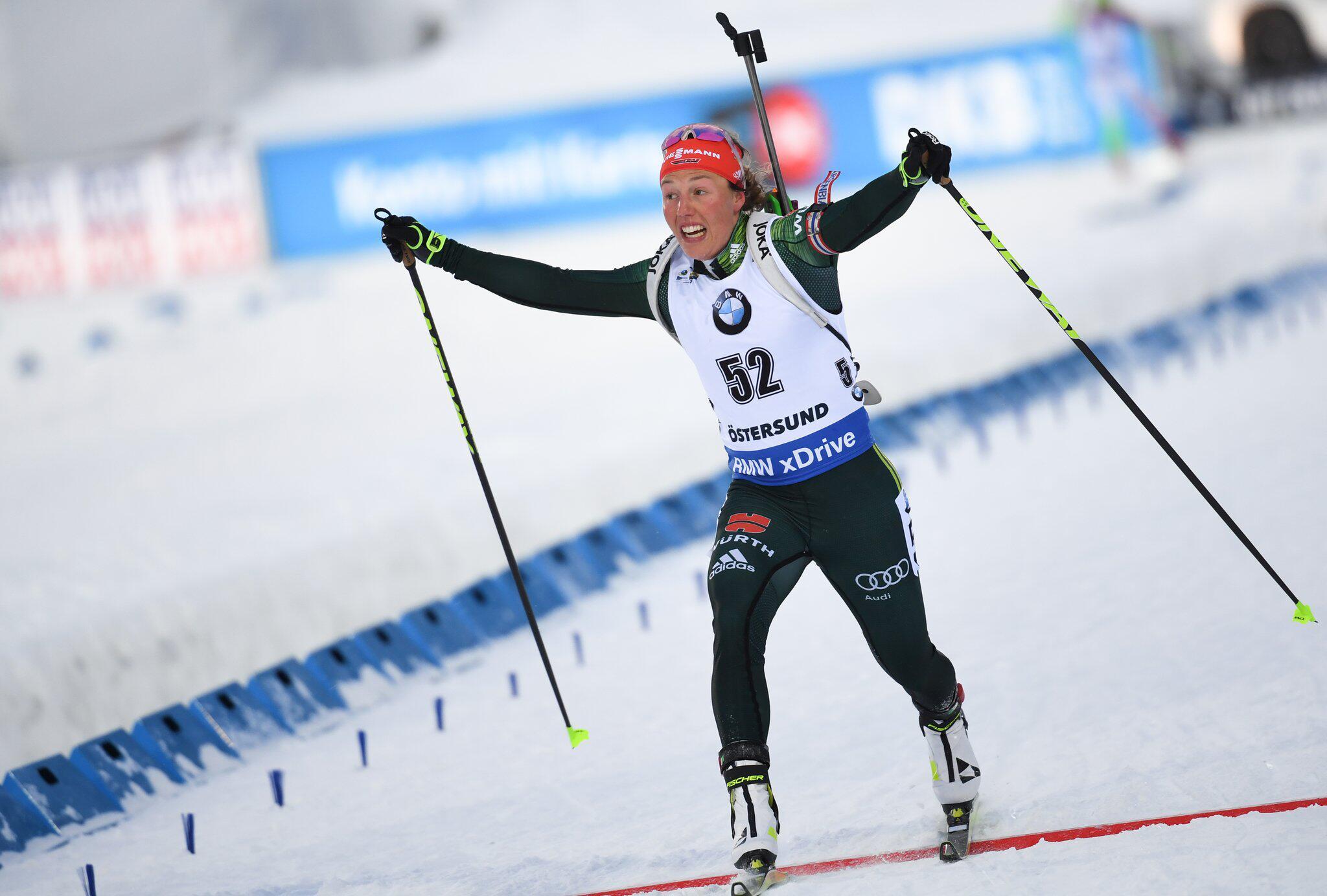 Bild zu Biathlon, Biathlon-WM, Östersund, Sprint, Frauen, Laura Dahlmeier, Bronze, Ziel