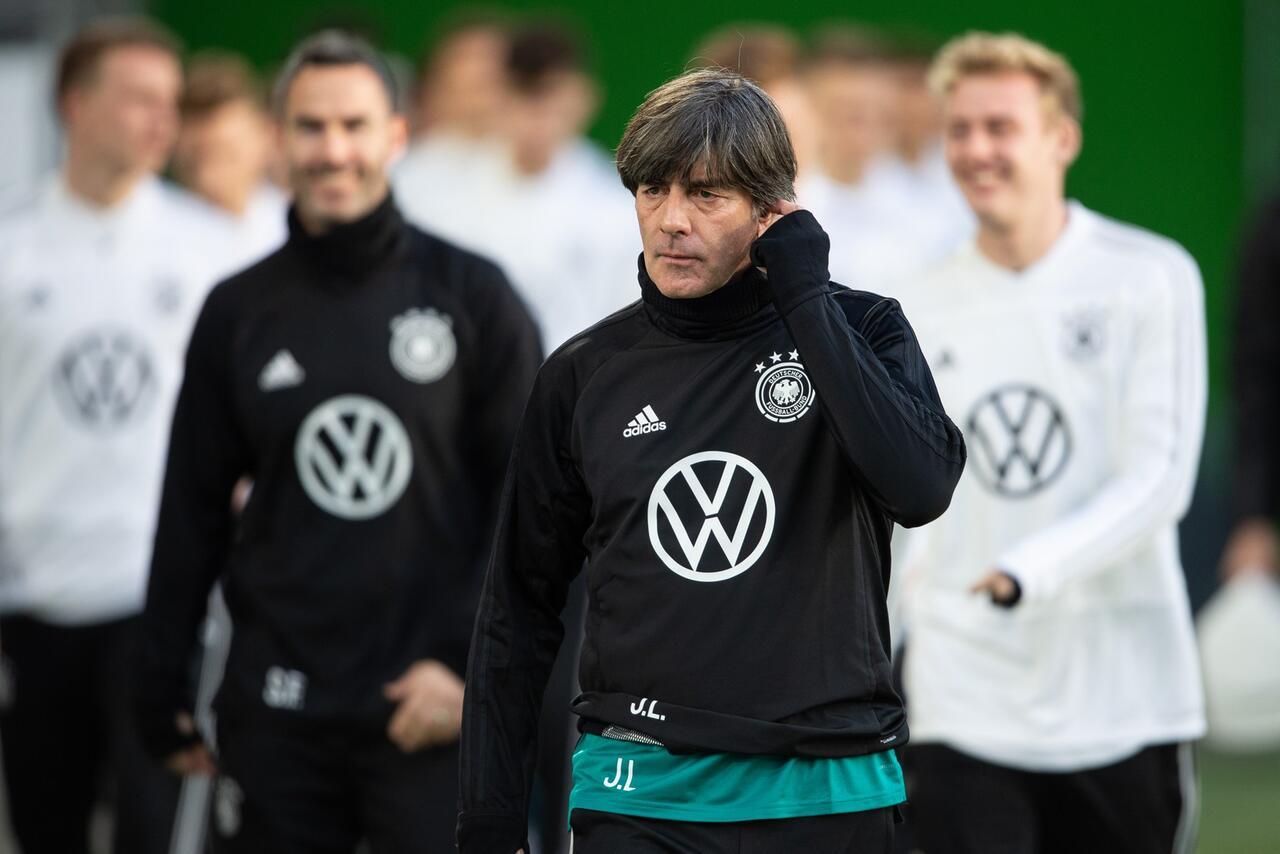 Bild zu Nationalmannschaft, Joachim Löw, Training, Wolfsburg, DFB, Länderspiel, Serbien, Julian Brandt