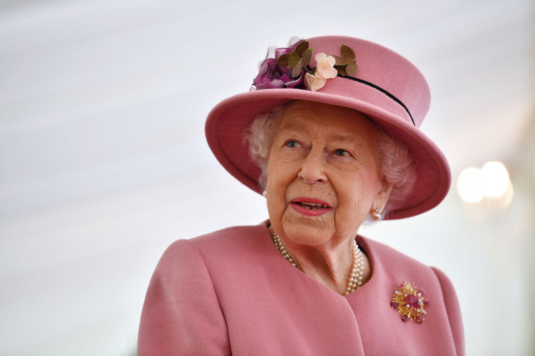 Bild zu Erster öffentlicher Auftritt der Queen seit Beginn der Pandemie