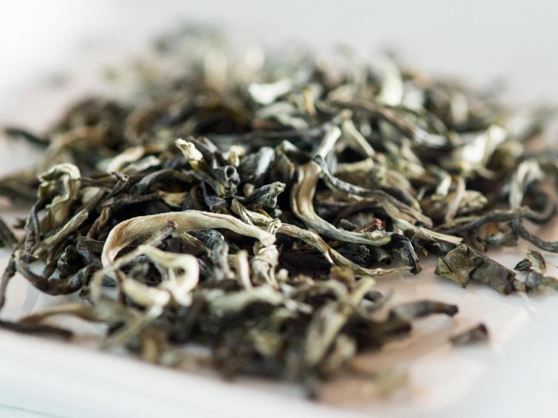 Bild zu Teeblätter in Schale