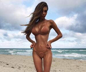 Model am Strand