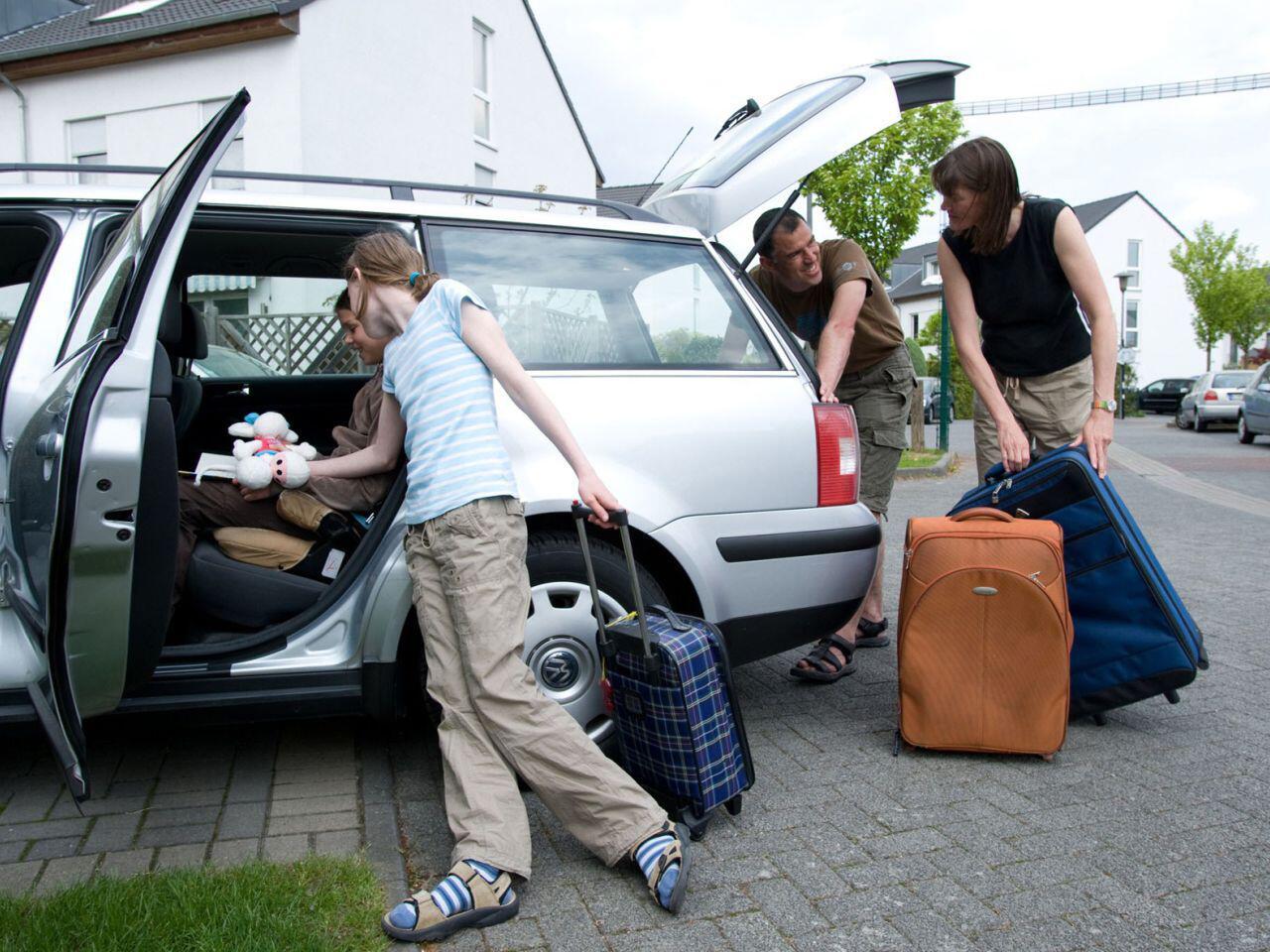 Bild zu Vor der Urlaubsreise mit dem Auto ist ein gründlicher Check zu empfehlen
