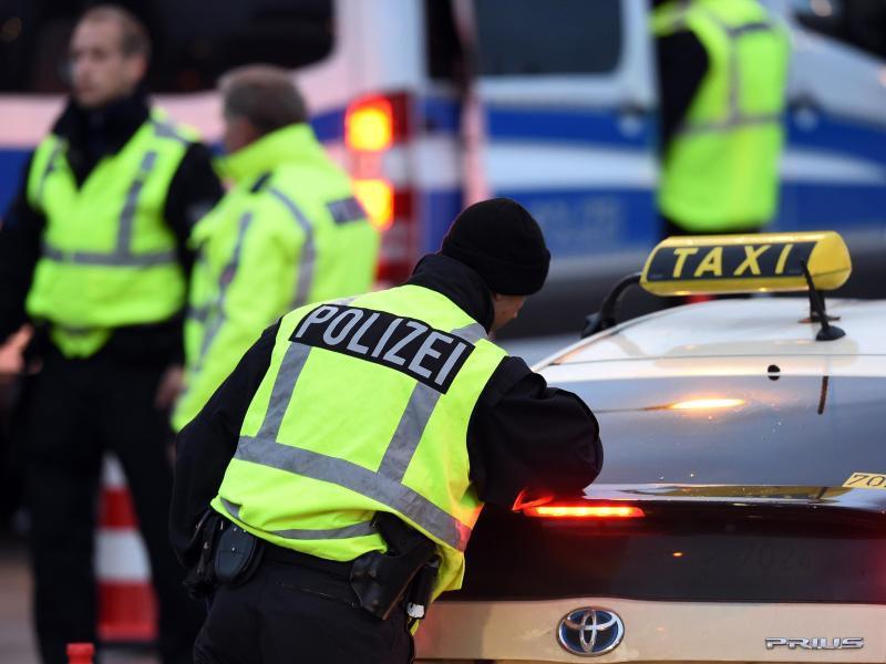 Bild zu Polizei am Flughafen Schönefeld