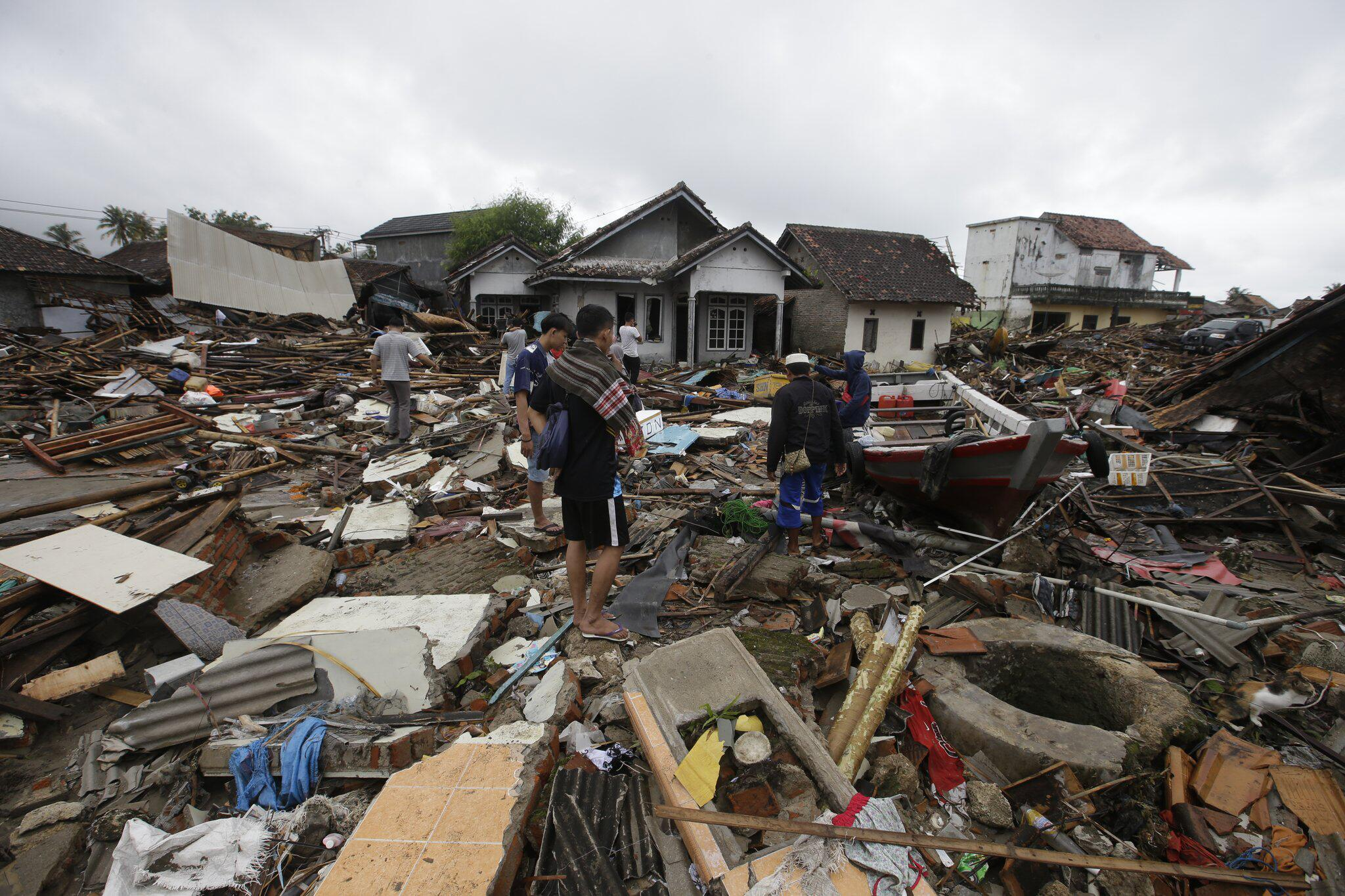 Bild zu Nach Tsunami in Indonesien
