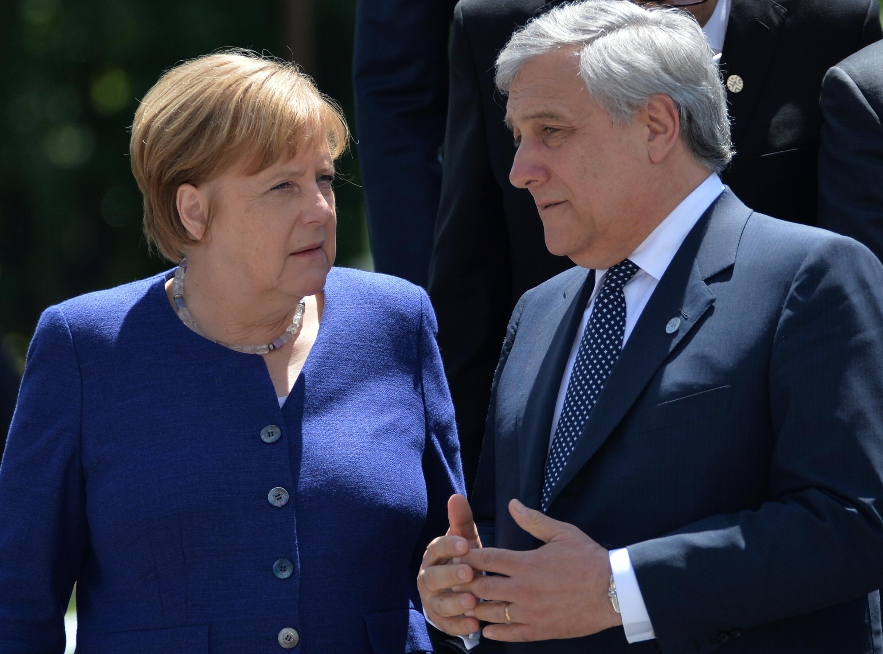 Bild zu Angela Merkel, Antonio Tajani