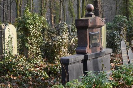 Friedhof mit Waldflair