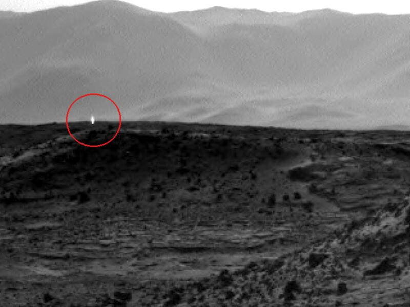 Bild zu Marshorizont von Curiosity fotografiert