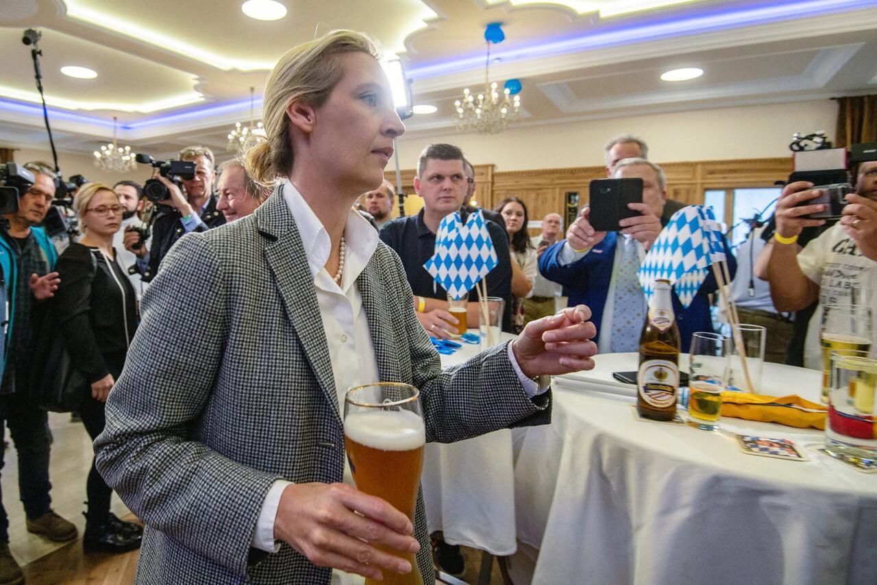 Bild zu Landtagswahl in Bayern - Wahlparty AfD