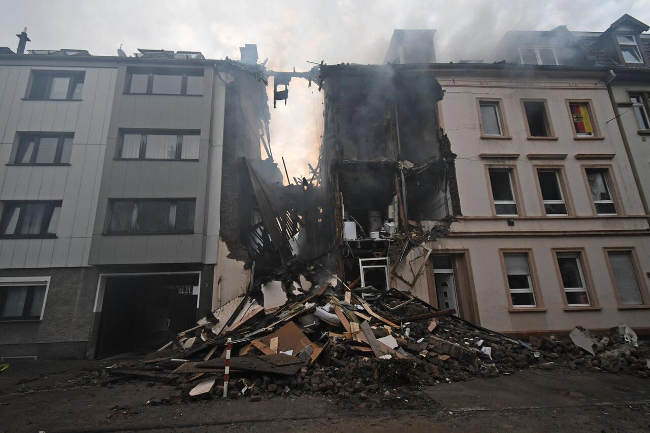 Bild zu Explosion in Wohnhaus in Wuppertal