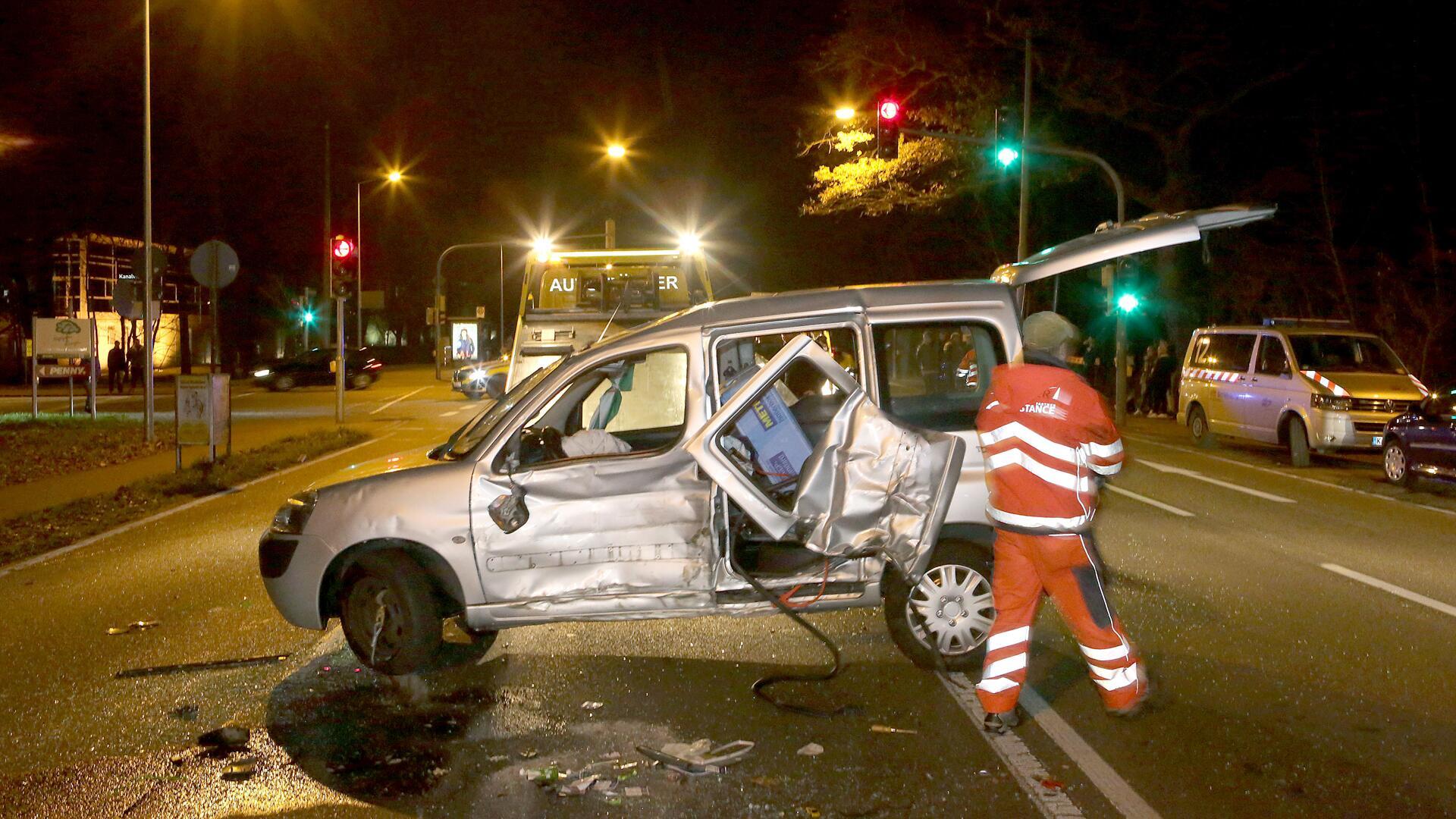 Bild zu Illegales Rennen, Auto, Berlin, Mord