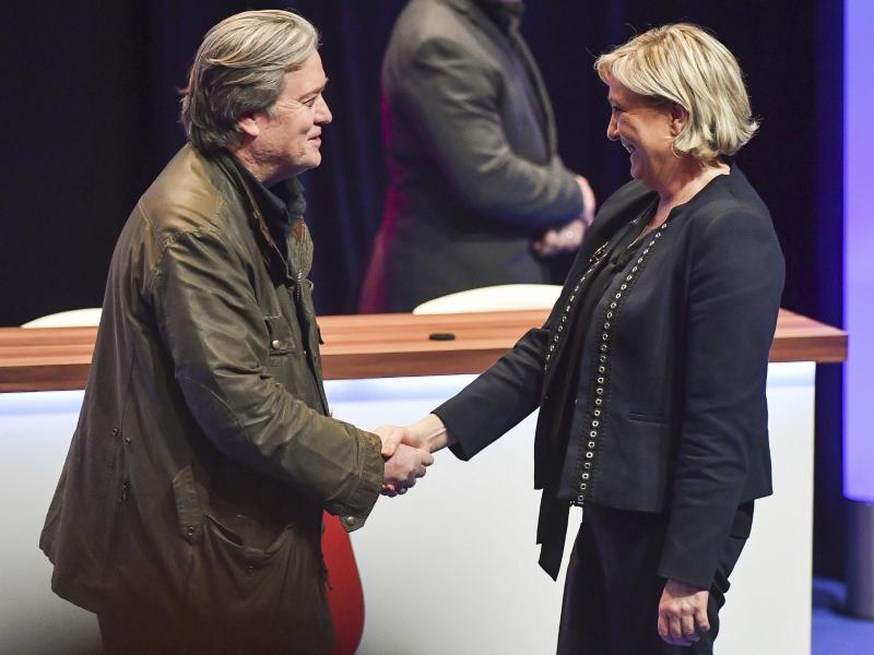 Bild zu Bannon trifft Le Pen
