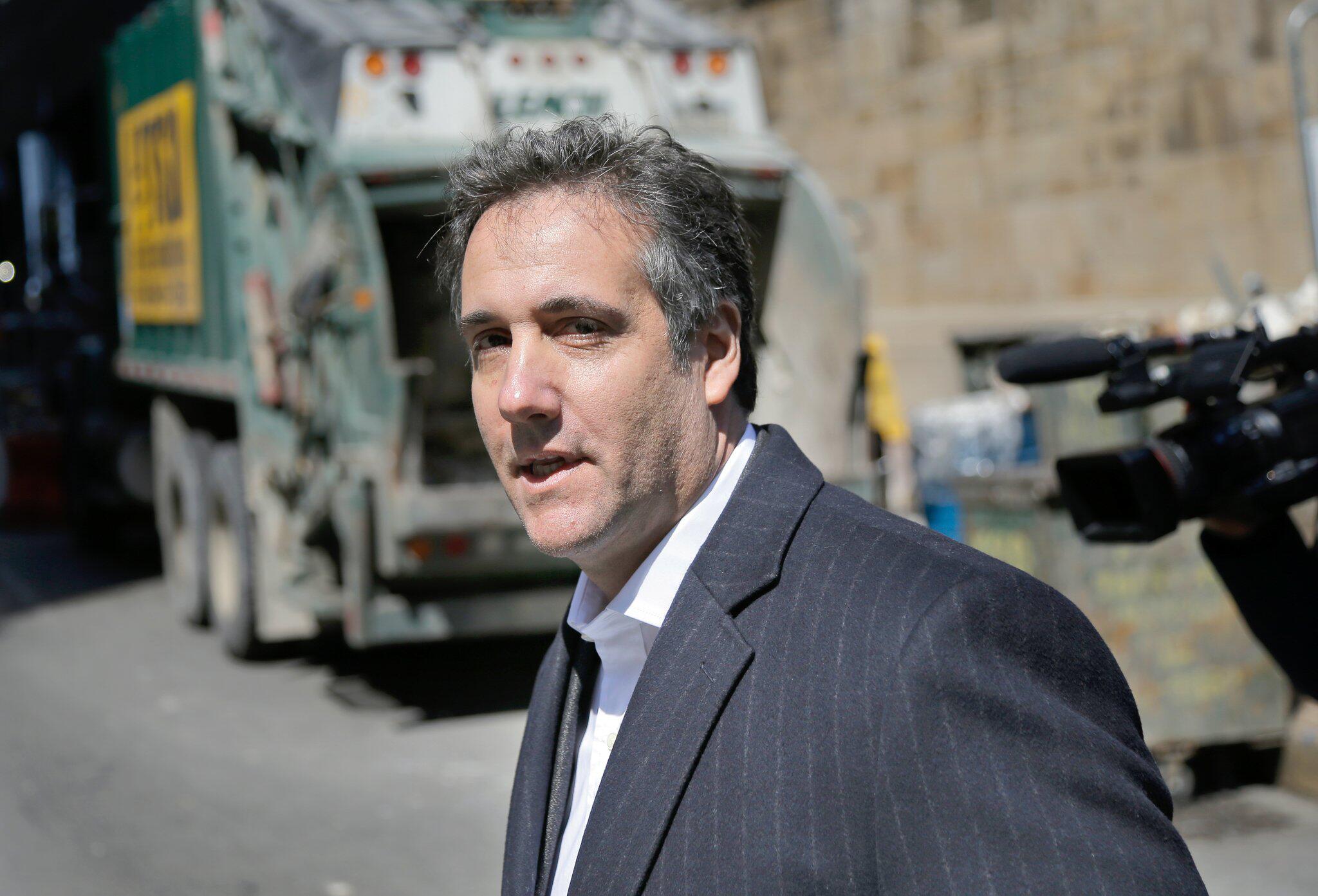 Bild zu Trumps Ex-Anwalt Cohen zu drei Jahren Haft verurteilt